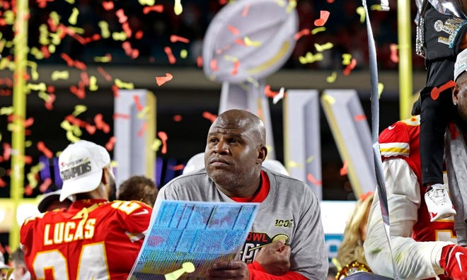 Chiefs offensive coordinator Eric Bieniemy is still without an NFL head-coaching position.