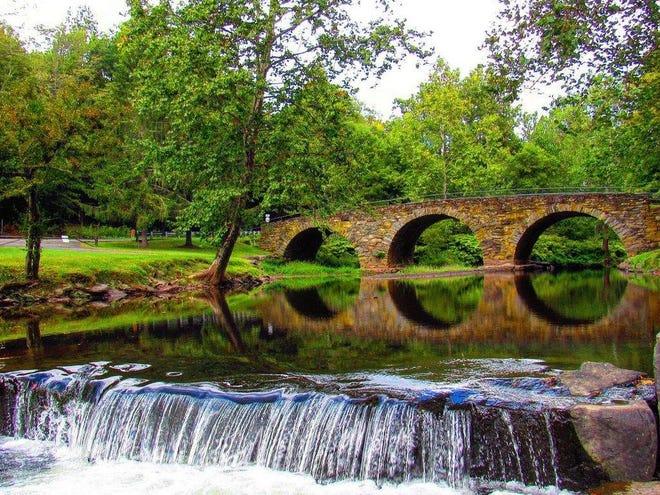 Stone Arch Bridge in Kenoza lake.