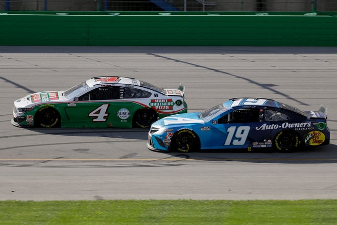 Kevin Harvick (4) and Martin Truex Jr. (19) are still fighting to get into NASCAR's Championship Round