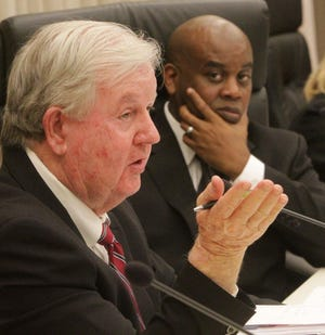 Daytona Beach City Manager Jim Chisholm, left, and Mayor Derrick Henry at a Daytona Beach City Commission meeting.