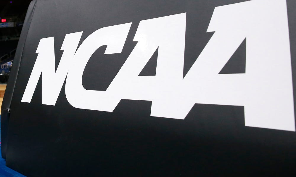 College athletes are school employees, new National Labor Relations Board memo says
