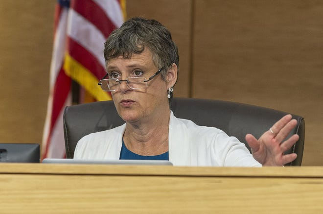 State Sen. Sarah Eckhardt says she was unfairly admonished by a state ethics agency for incidents that occurred while she was Travis County judge.