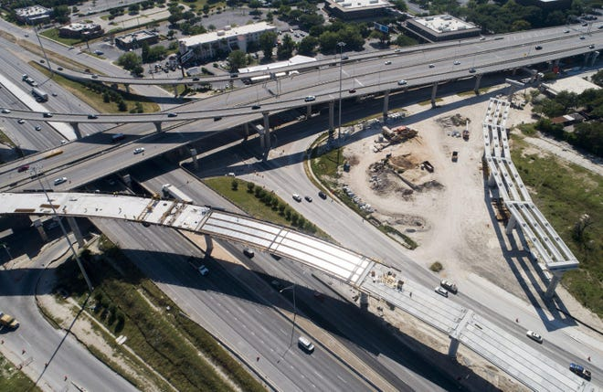 Construction is continuing on the interchange at Interstate 35 and U.S. 183 in North Austin.