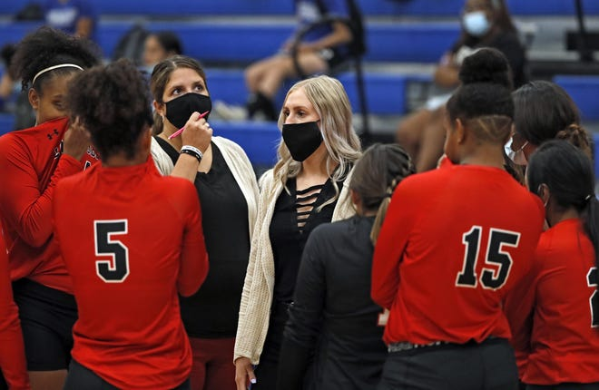 Brownfield coach Mallorie Ellis talks to her players during a nondistrict match Aug. 11, 2020, against Estacado at Estacado High School. The Lady Cubs have amassed a 26-2 record en route to a Class 3A regional semifinal match 6 p.m. Tuesday against Holliday (23-4) at Jim Ned High School in Tuscola.