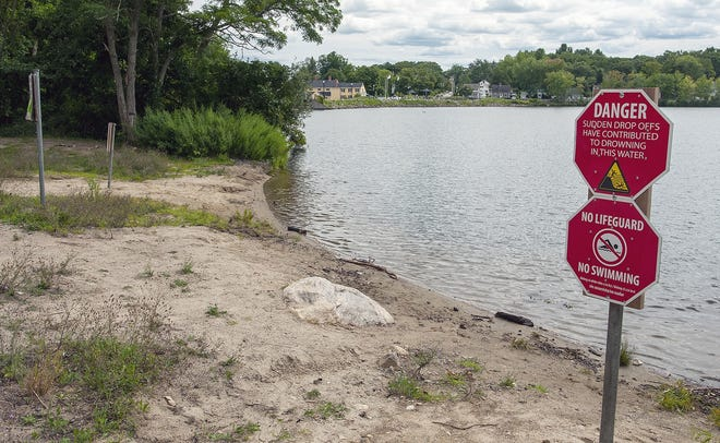 Hillside Beach on Coes Reservoir in Worcester has been closed for years, but a plan to convert it to wetlands was allowed to move forward by the Conservation Commission Monday.