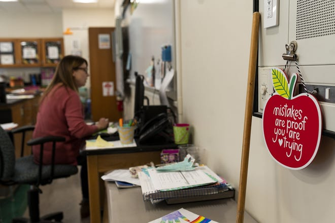 Fourth-grade teacher Kim Kates instructs via Zoom from her classroom in Spencer.