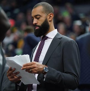 Peoria native Brian Randle, who played at Notre Dame and Illinois, recently was named assistant coach for the NBA's Phoenix Suns.