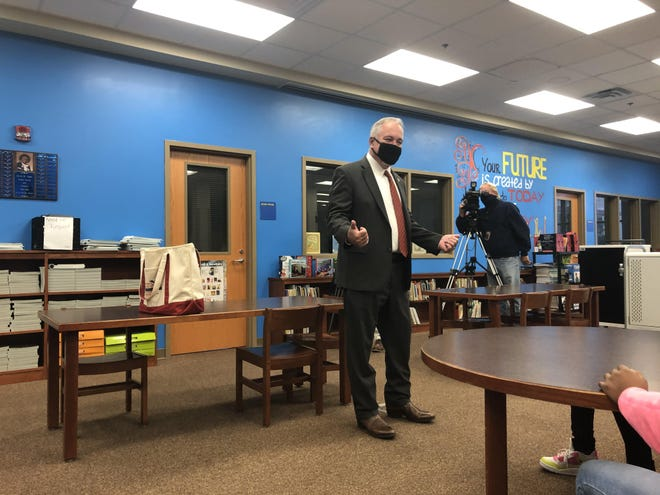 Georgia State School Superintendent Richard Woods talks to fourth graders at Hornsby Elementary School in 2020.