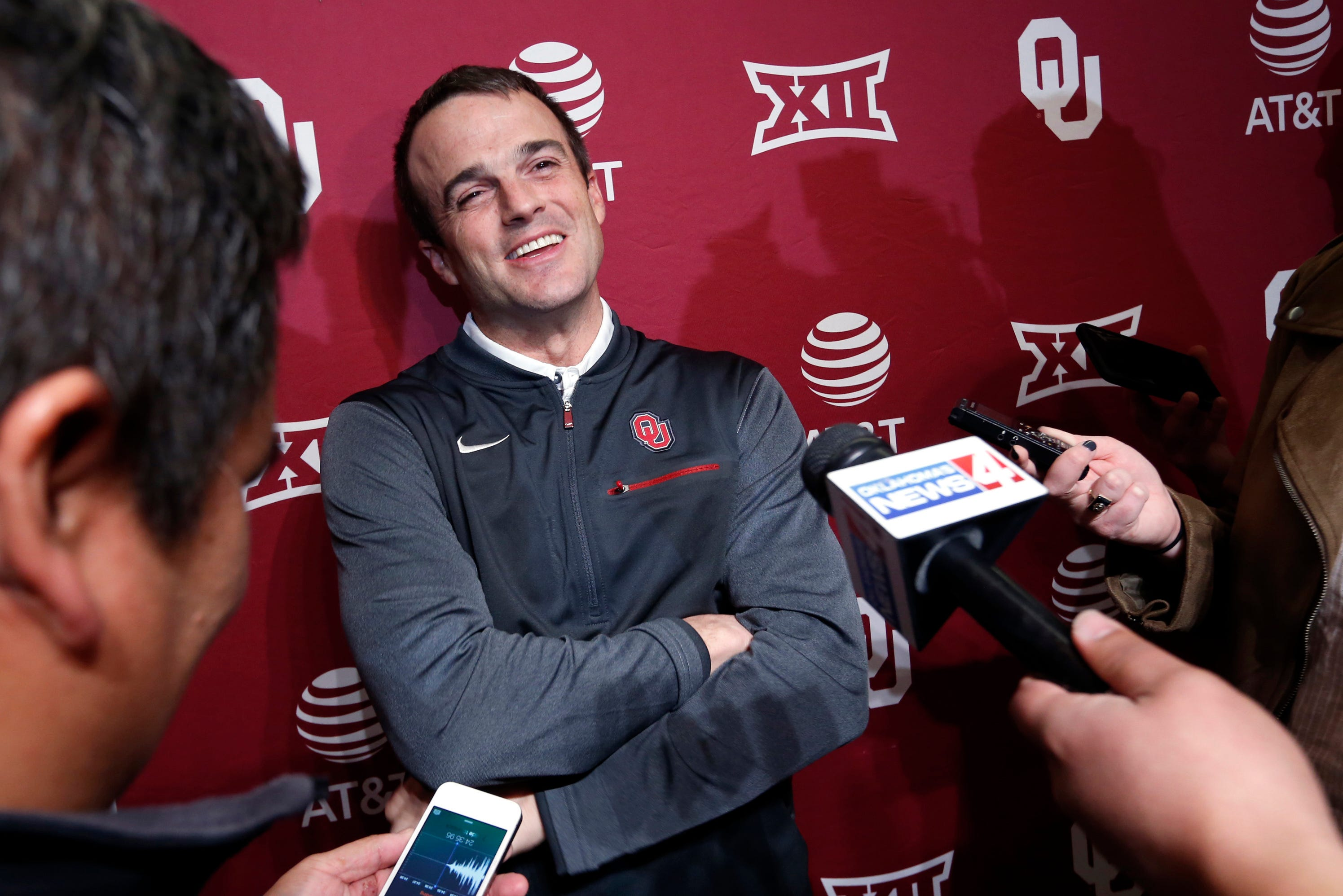 South Carolina announces Oklahoma assistant Shane Beamer as football coach