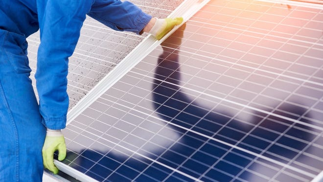 Analysts at Goldman Sachs have made some changes to price targets and ratings on 10 hot solar energy stocks.