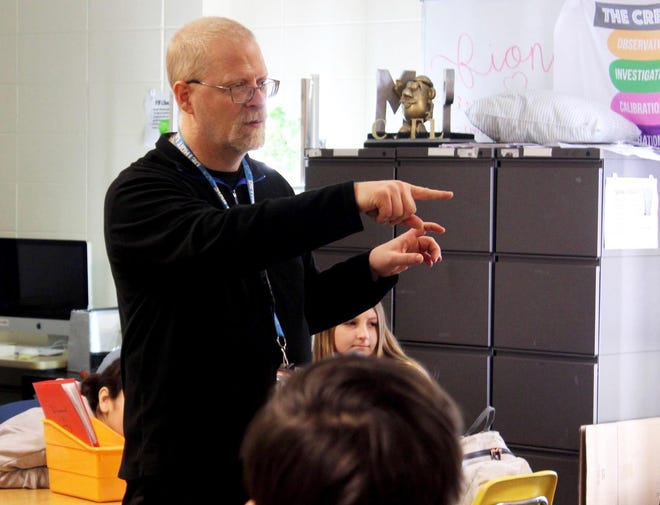 Holland Middle School teacher Bill Boerman instructing his class in January 2020. Boerman recently was named National Amazing Teacher of the Month by Gannett Publications.