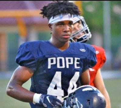 Antwan Roberts, a running back from Tennessee, committed to the Badgers on Tuesday.