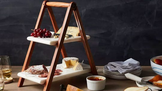 Display your meals with style.
