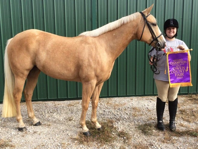 Brooklyn Henderson with Ellie, Grand Champion English Mare