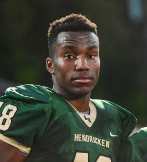 Warwick (R.I.) Bishop Hendrick's Jason Onye, a three-star defensive end in the 2021 recruiting class, verbally committed to Notre Dame on May 7, 2020.