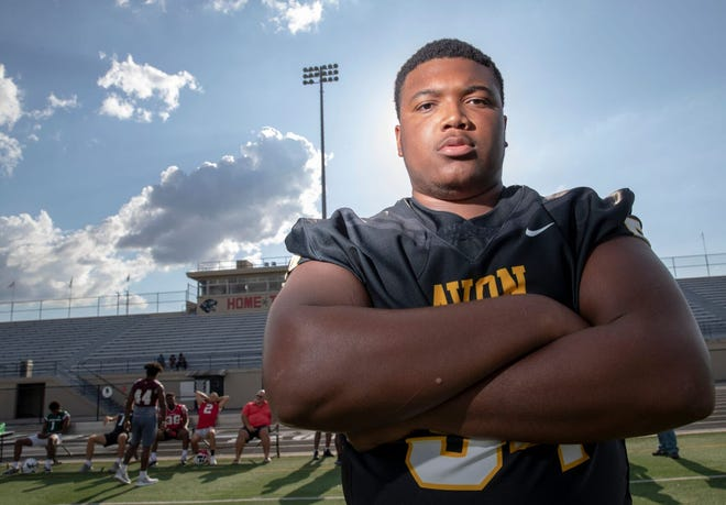 Avon (Ind.) High's Blake Fisher, an offensive tackle in the 2021 recruiting class, verbally committed to Notre Dame on June 15, 2019.