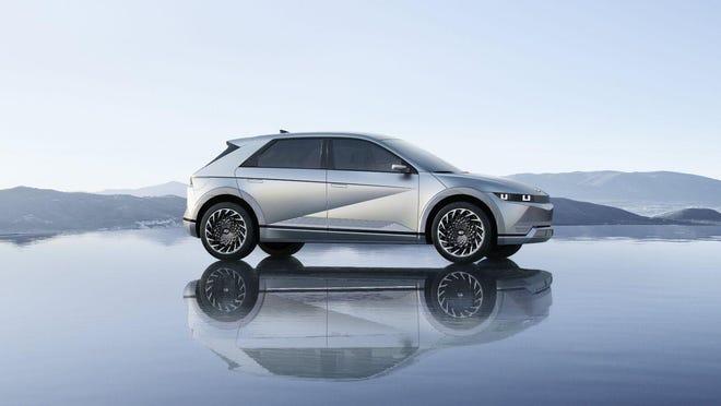 The 2022 Hyundai Ioniq 5 is the first electric vehicle on Hyundai Motor Group's new E-GMP EV architecture. (Hyundai)