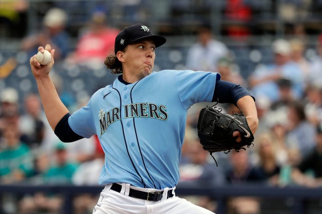 Former Stetson ace Logan Gilbert made his MLB debut Thursday against the Indians.