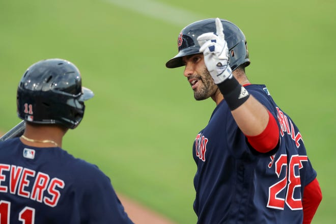 J.D. Martinez hit his 250th career home run to help the Red Sox beat the Blue Jays on Thursday.