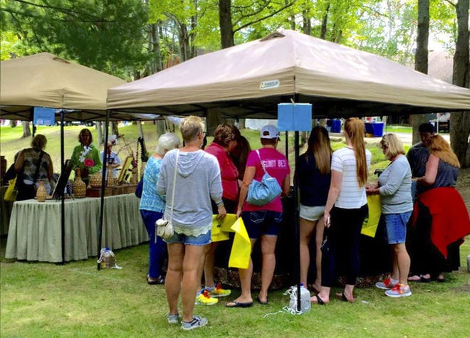 Die Hueston Woods Arts and Crafts Fair findet samstags und sonntags statt.