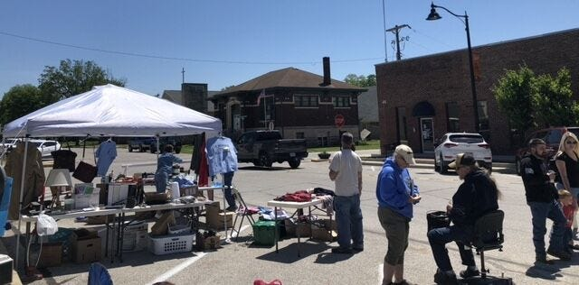 The first-ever tailgate sale, put on by Spencer Main Street, was a big success with numerous vendors and customers in attendance. The event was held on the courthouse square. (Nicole DeCriscio)