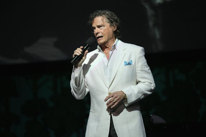 B.J. Thomas performs onstage during the SeriousFun Children's Network Los Angeles Gala on May 14, 2015 in Hollywood. (Mike Windle/Getty Images for SeriousFun Children's Network/TNS)