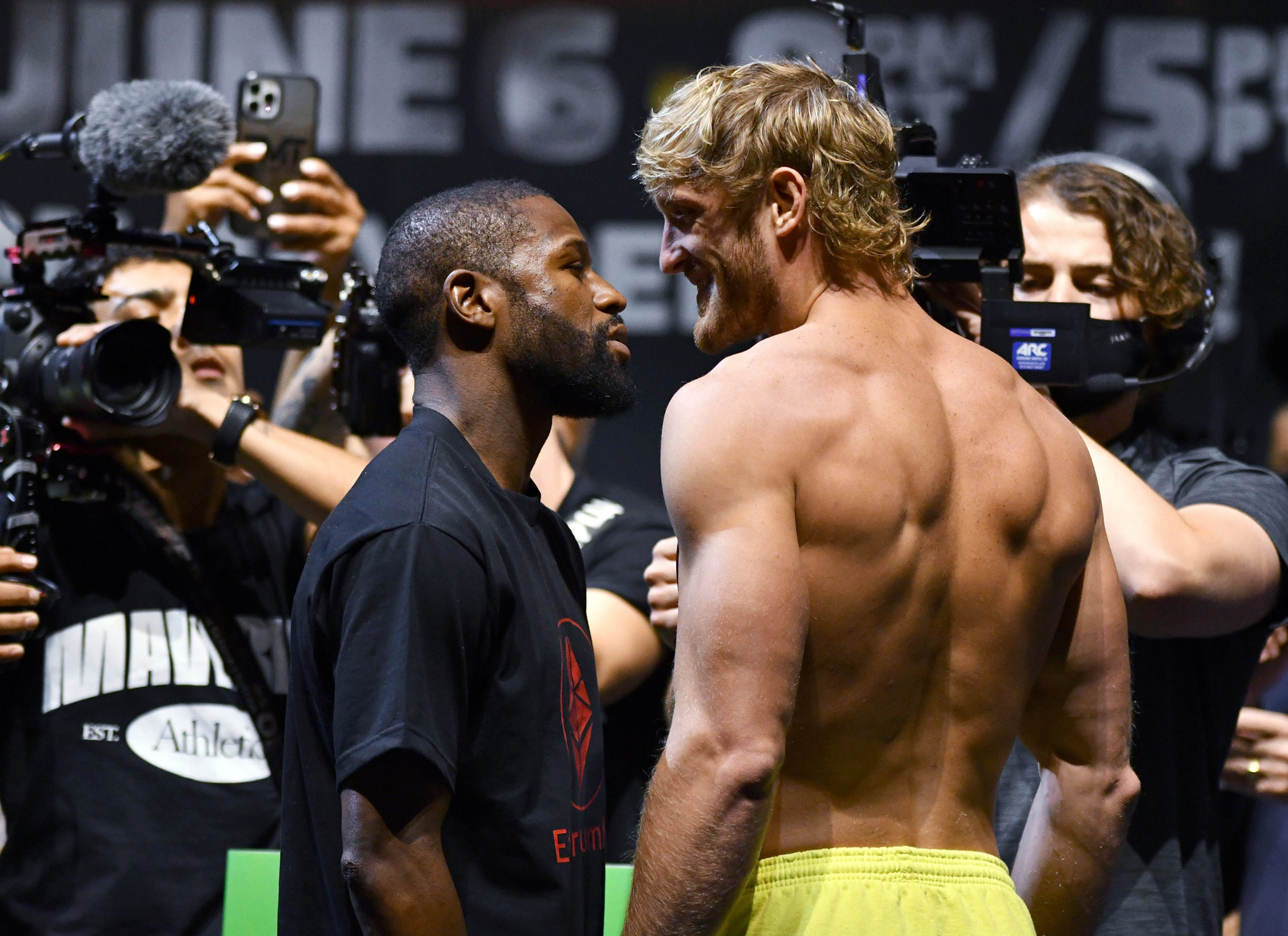 Floyd Mayweather vs. Logan Paul: Live round-by-round updates of the exhibition boxing match
