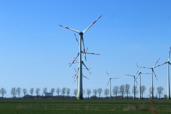 Wind energy uses wind to turn blades on wind turbines that power electric generators. Historically, a single windmill might be built to power mechanical machinery, but now large windmill farms have been constructed to provide power for entire communities. Pixabay (courtesy)