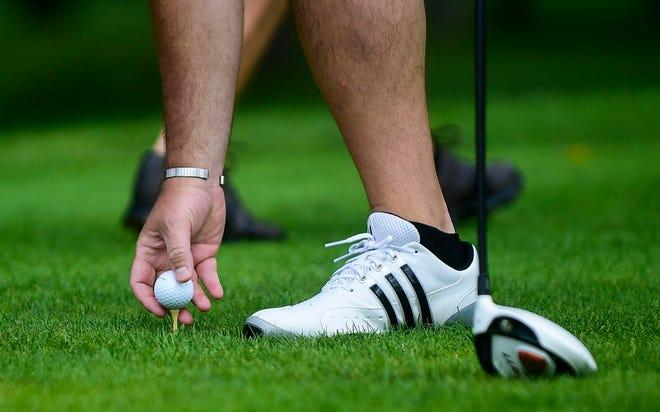 STK golf golfer