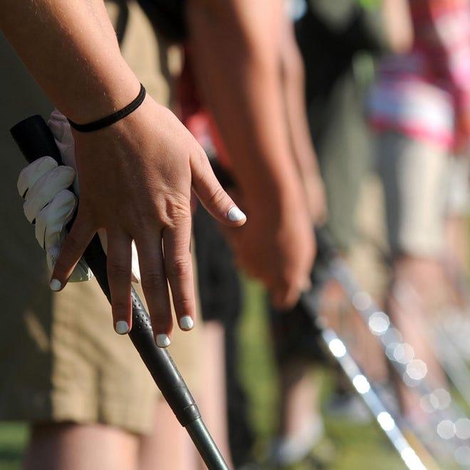 STK golfers golf