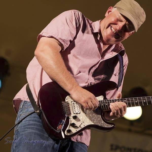 Guitarist Albert Cummings
