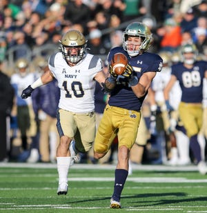 Notre Dame's Braden Lenzy (25) catches a deep pass for a touchdown during the Notre Dame-Navy NCAA Football game Saturday, Nov. 16, 2019 at Notre Dame Stadium in South Bend.