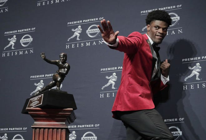 Louisville's Lamar Jackson, who won the Heisman in 2016, will lead the Baltimore Ravens against the Denver Broncos, and Teddy Bridgewater, on Sunday.