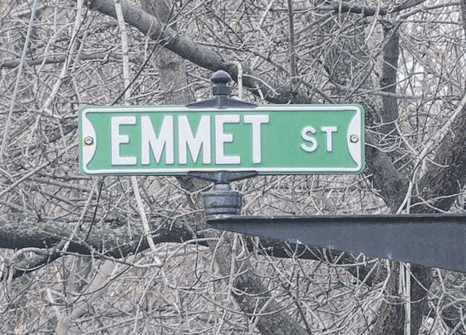 A promising housing development proposed for Petoskey's Old Town Emmet neighborhood has been halted. A street sign for Emmet Street is pictured. (File photo)