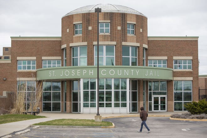 The St. Joseph County Council approved the hiring of nurses to staff the St. Joseph County Jail, after no health care providers bid for a medical services contract for 2020.