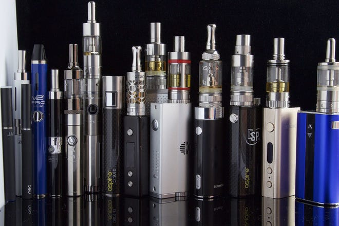 Vaping and e-cig devices come in all manner of shapes and sizes. (WikiCommons public domain photo)