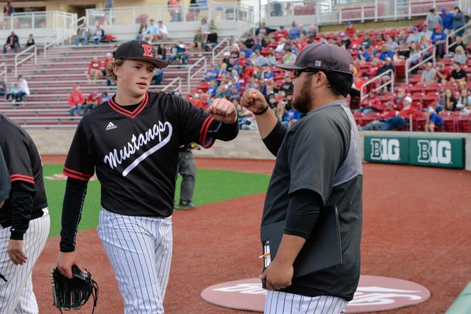 Edgewood grad Luke Hayden has experience playing at Bart Kaufman Stadium, greeting assistant coach Mac Kido after a game against Linton in 2019. He'll be reunited with another former Mustang, Ethan Vecrumba, on the Hoosiers roster.