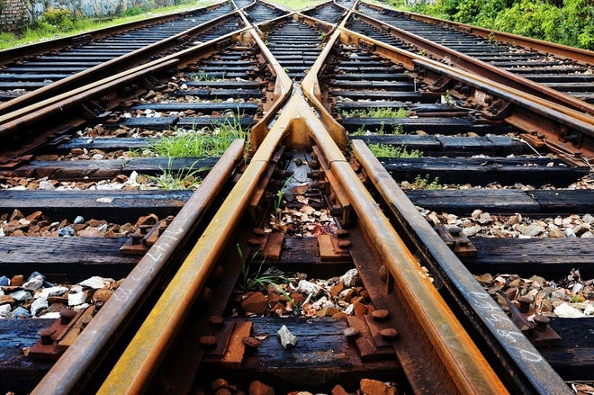 Switch between multiple railroad tracks.