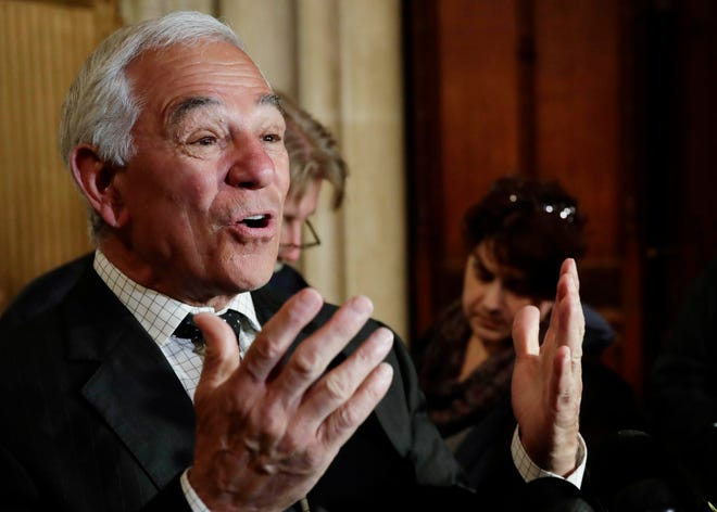 Former Major League Baseball player and manager Bobby Valentine has raised $300,000 in individual contributions for his independent run for mayor of Stamford, Conn., more than the two Democrats running raised during the first half of this year.
