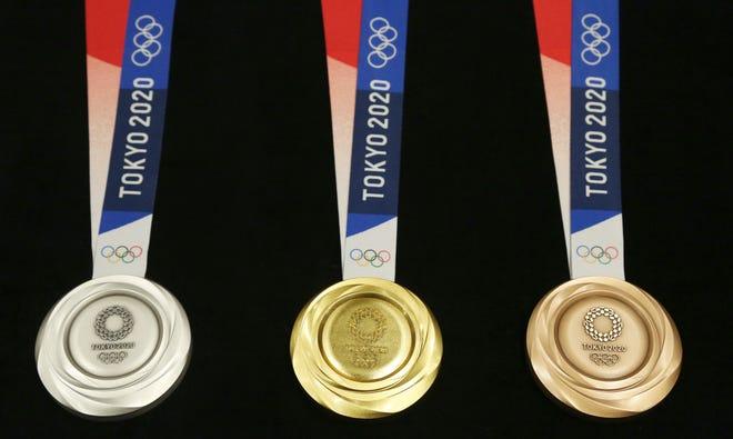 Τα ολυμπιακά μετάλλια για τους αγώνες του Τόκιο 2020 αποκαλύφθηκαν κατά τη διάρκεια του Ολυμπιακού γκαλά του 2019 στο Τόκιο.