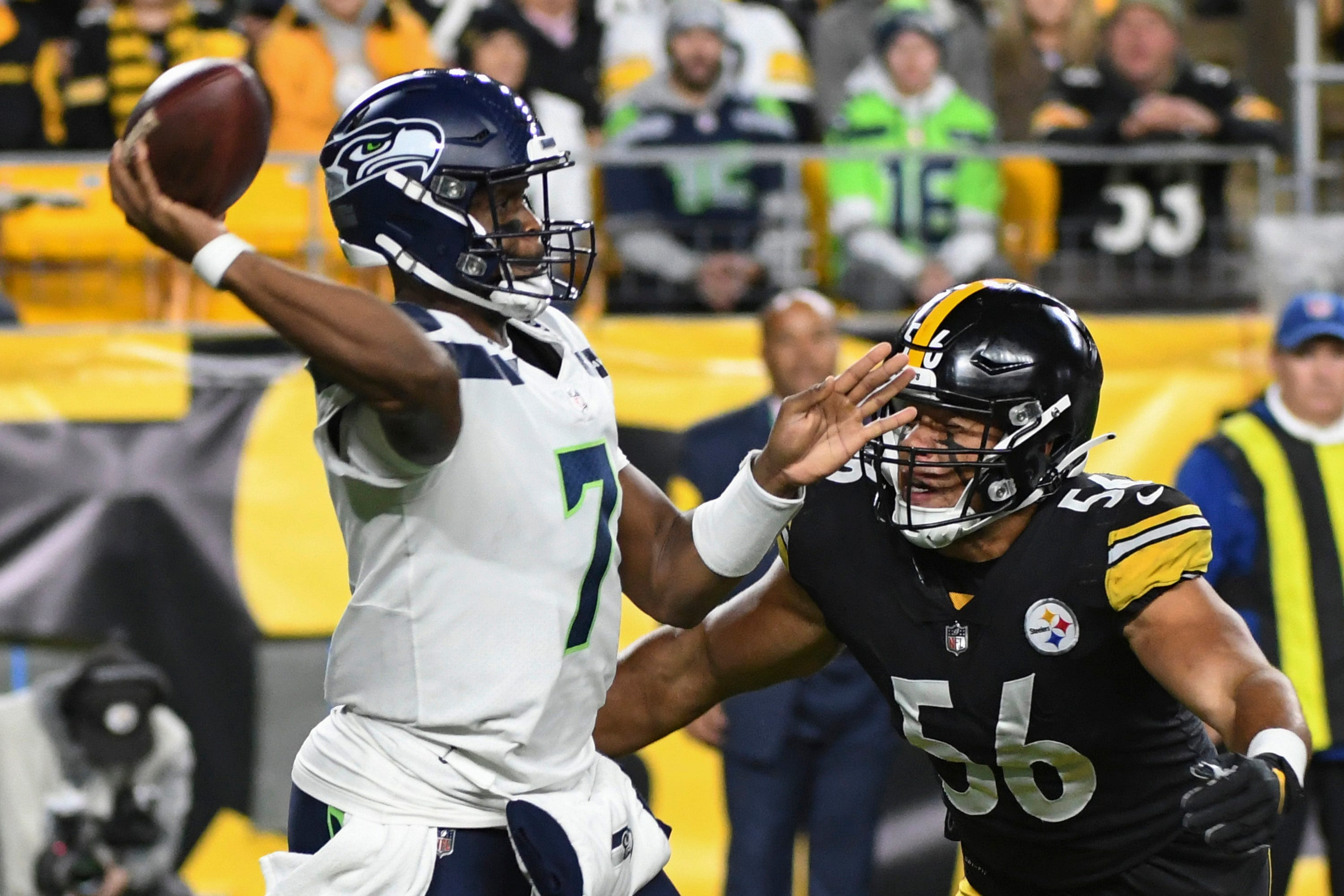 Slumping Seahawks host rested Saints in key NFC matchup