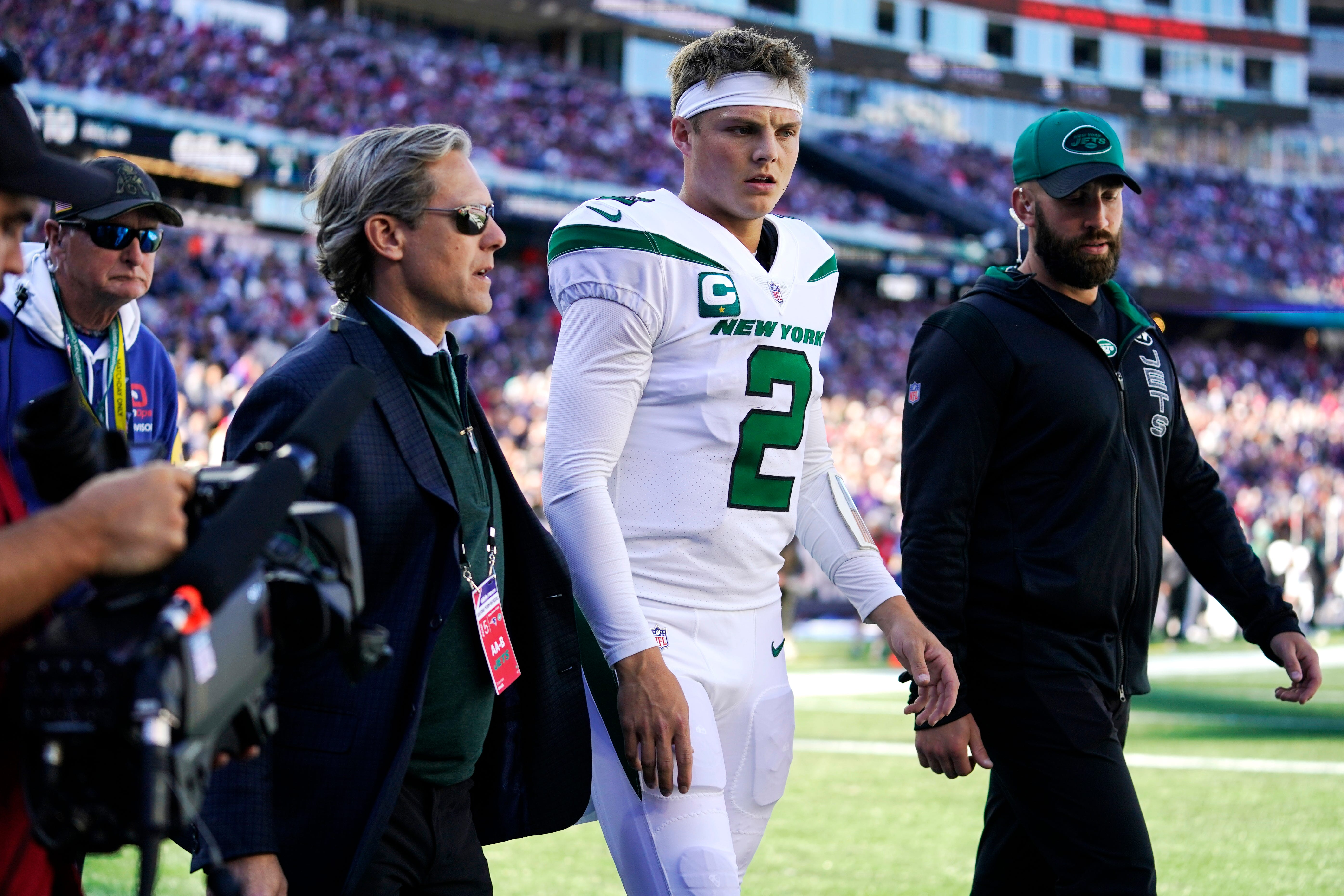 NY Jets humiliated by Patriots in 54-13 loss. Zach Wilson's health is all that matters now