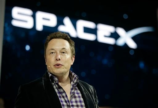 SpaceX to transport 2 paying customers around moon