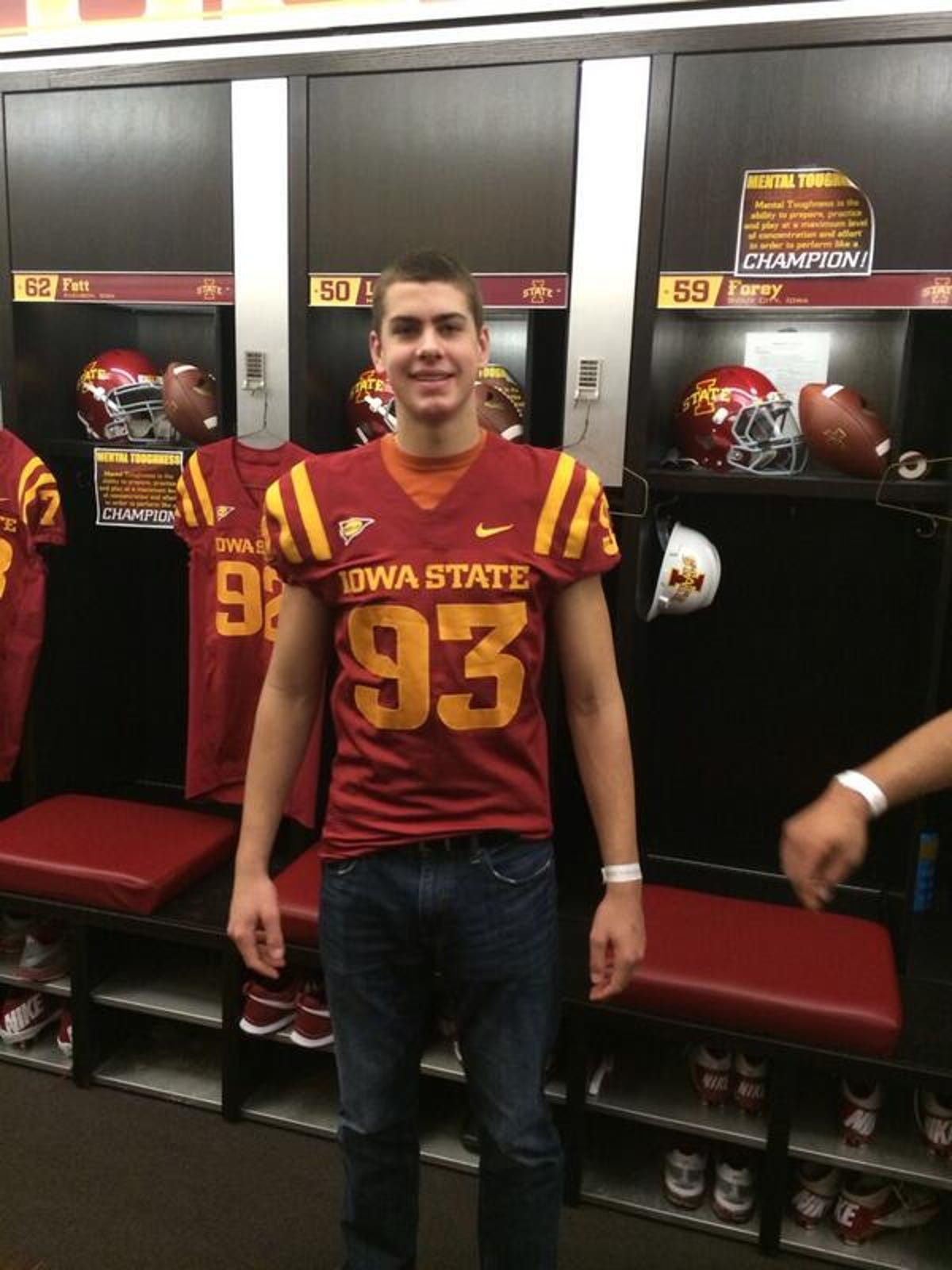 sale retailer 41c65 ba651 Waukee DL Anthony Nelson to play at Iowa State