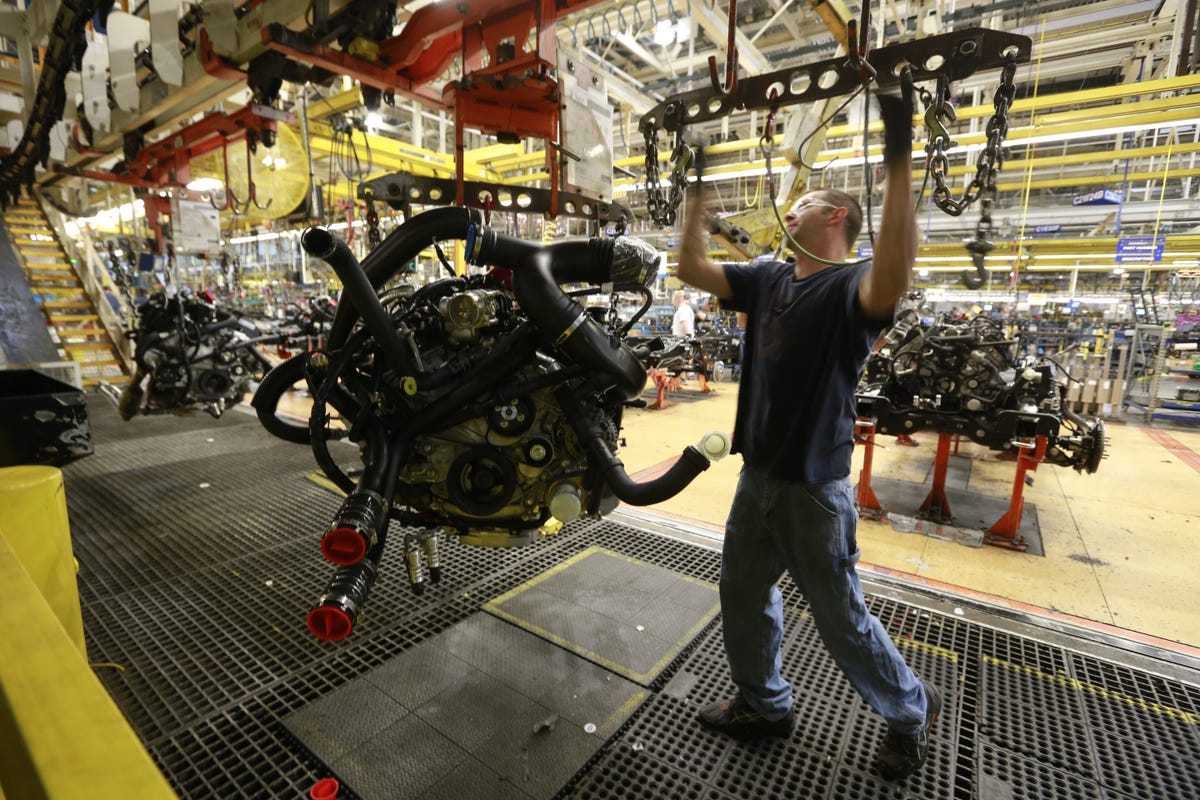 Ford set to bump entry-level workers to top tier wage
