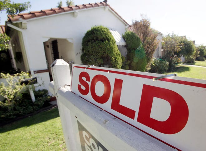 Zillow will now offer Phoenix homeowners the option to sell their homes through its Instant Offer program.