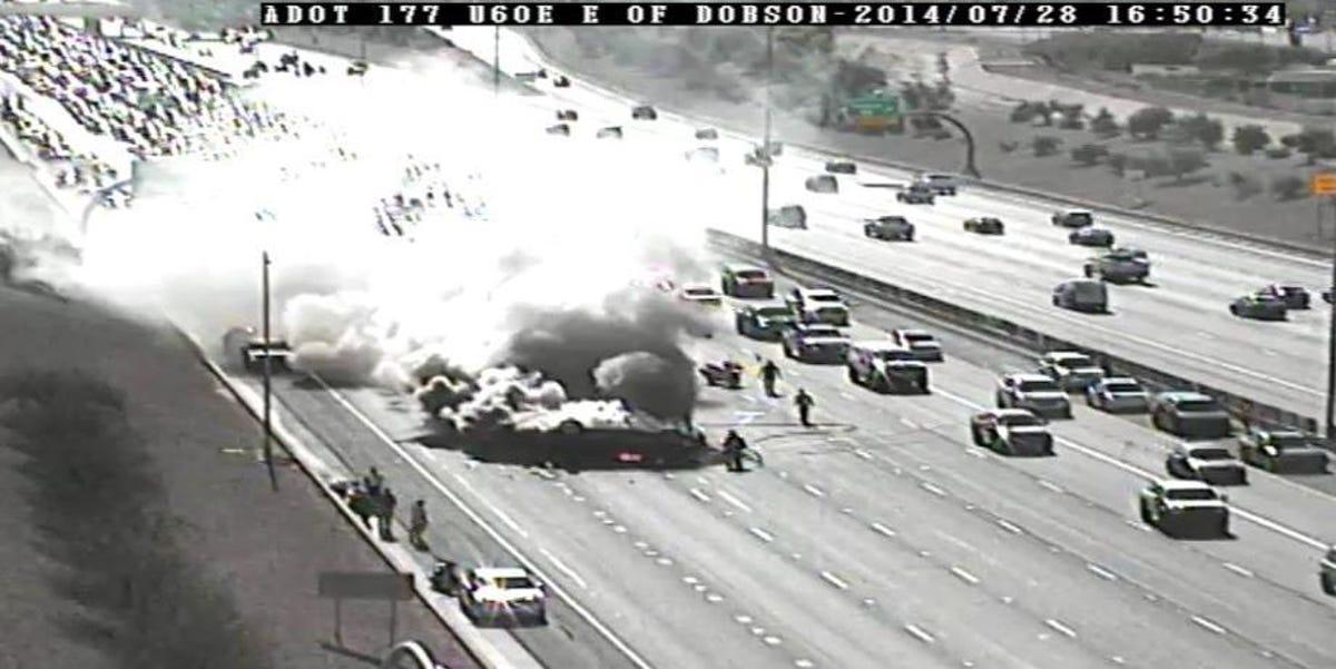 Fiery car wreck on U S  60 triggered major traffic delays