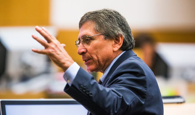 Then-Maricopa County prosecutor Juan Martinez makes his opening statement in the Jodi Arias sentencing retrial in Superior Court on Oct. 21, 2014.