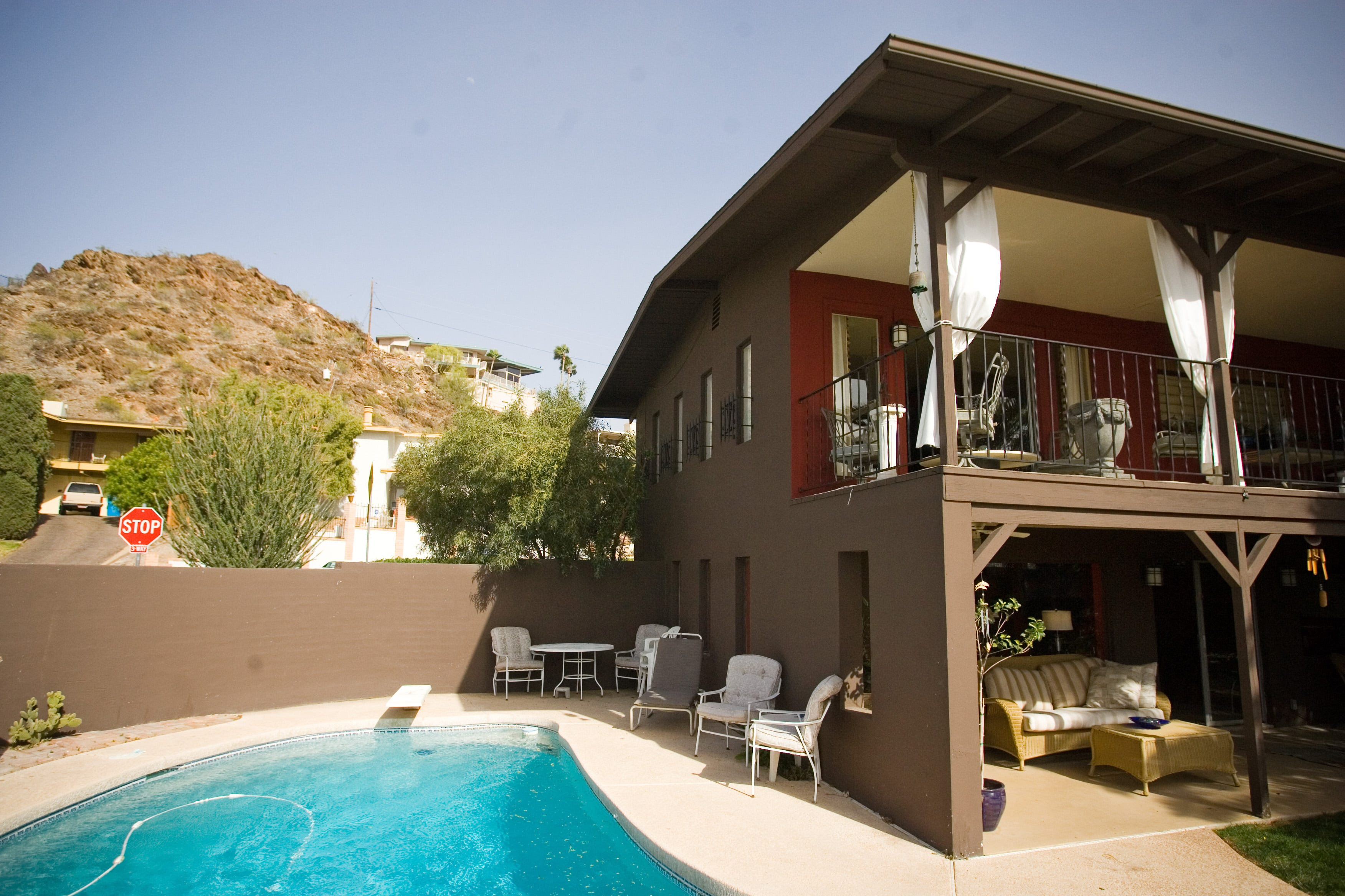 http://www.azcentral.com/picture-gallery/life/house-garden/cool-home ...