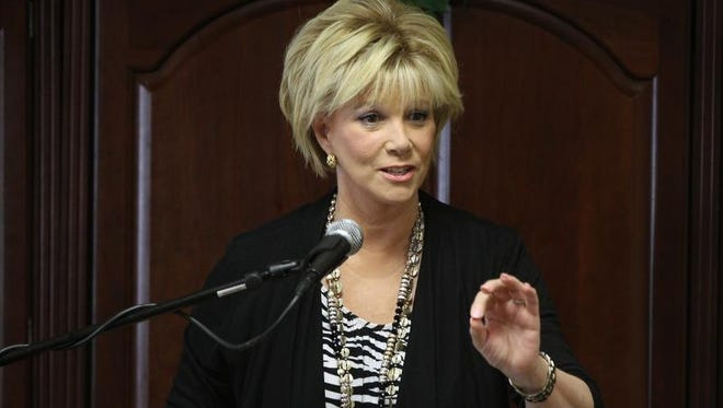 Former television personality Joan Lunden spoke at Cloverwood Friendly Senior Living in Pittsford.